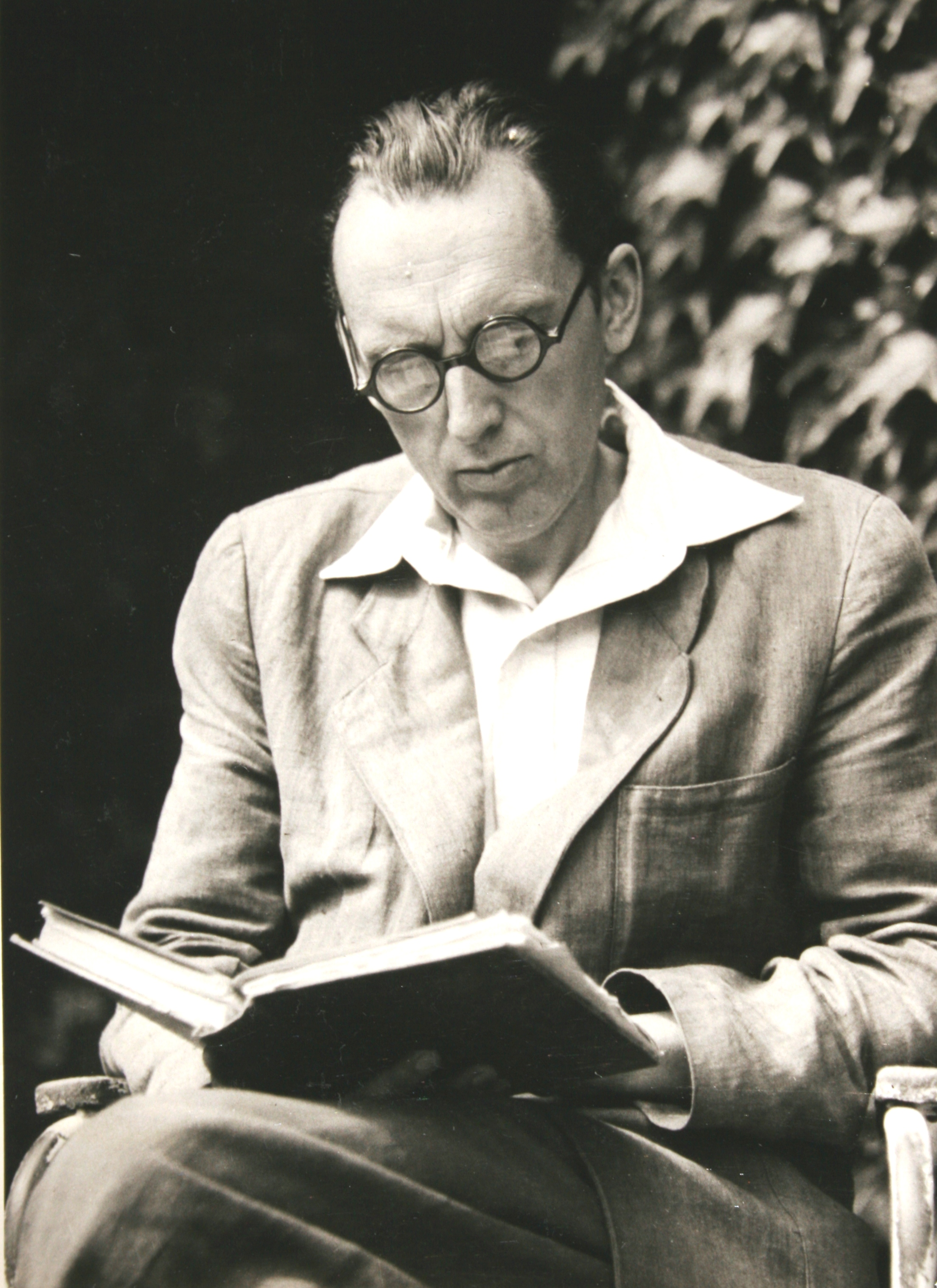 István Bibó reading in the garden, Leányfalu, before 1956