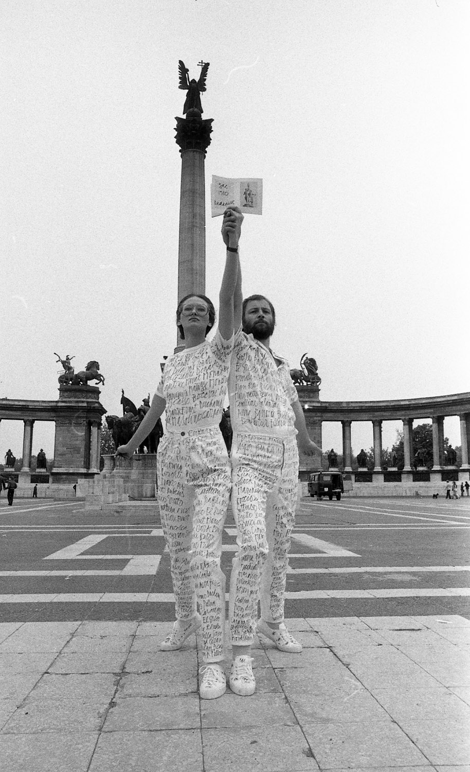 György Galántai: 'Homage to Vera Mukhina' performance with Julia Klaniczay and G. A. Cavellini, May 24, 1980, Hősök tere (Heroes´ Square), Budapest