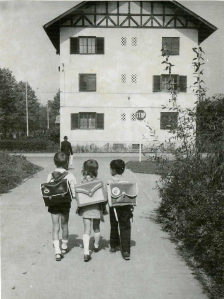 Students going to school in Braşov during the 1970s