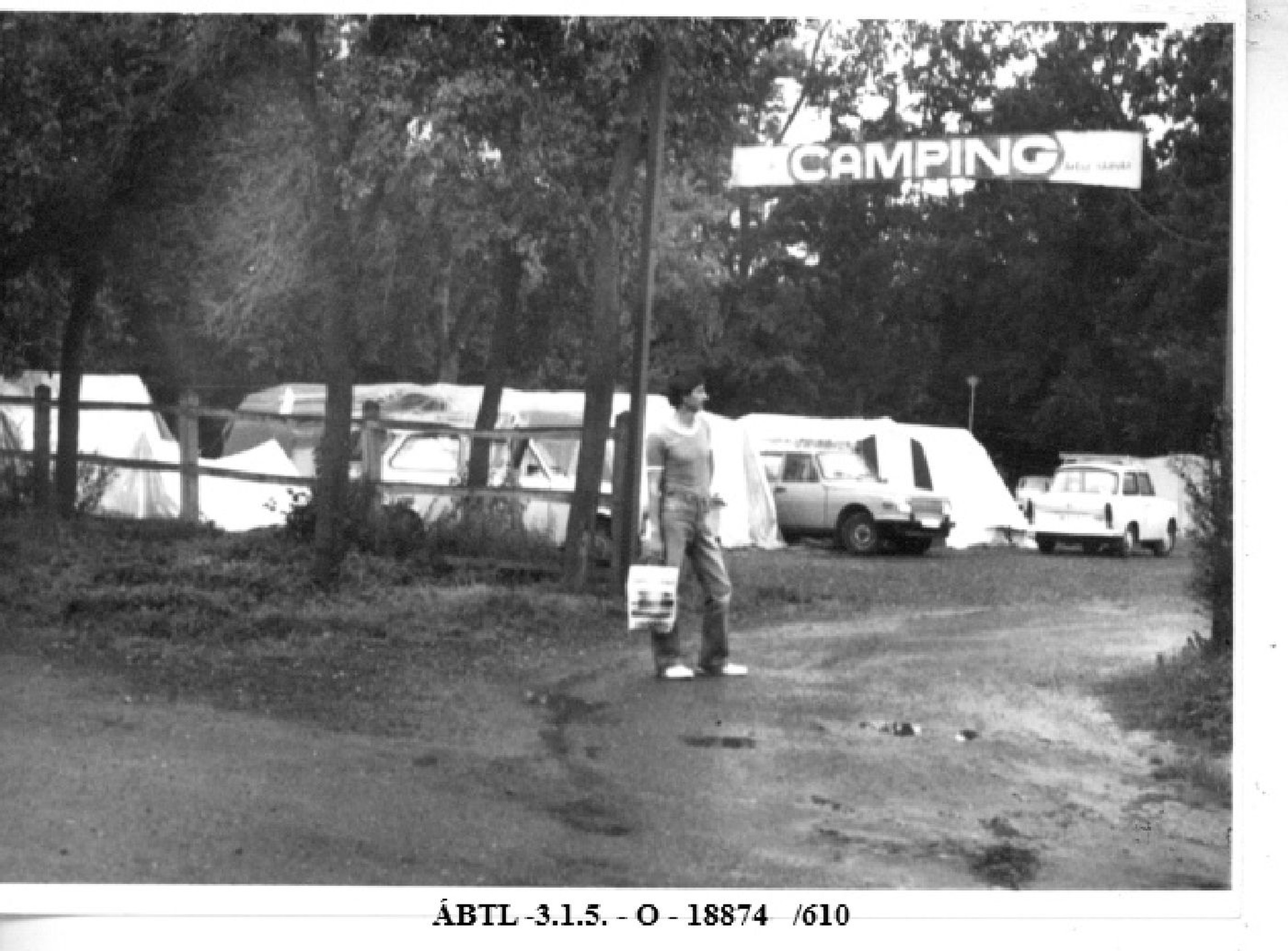 State security photo on Christian community 's camping (August 1983)