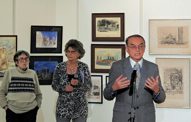 Gheorghe Leahu la vernisarea unei expoziţii în anii 2000