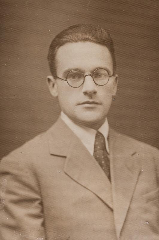 Photo of Heiti Talvik, 1933.