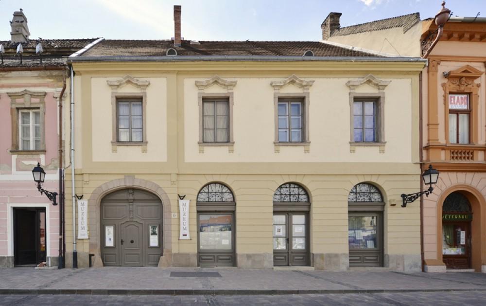 Tragor Ignác Museum, Vác, main building