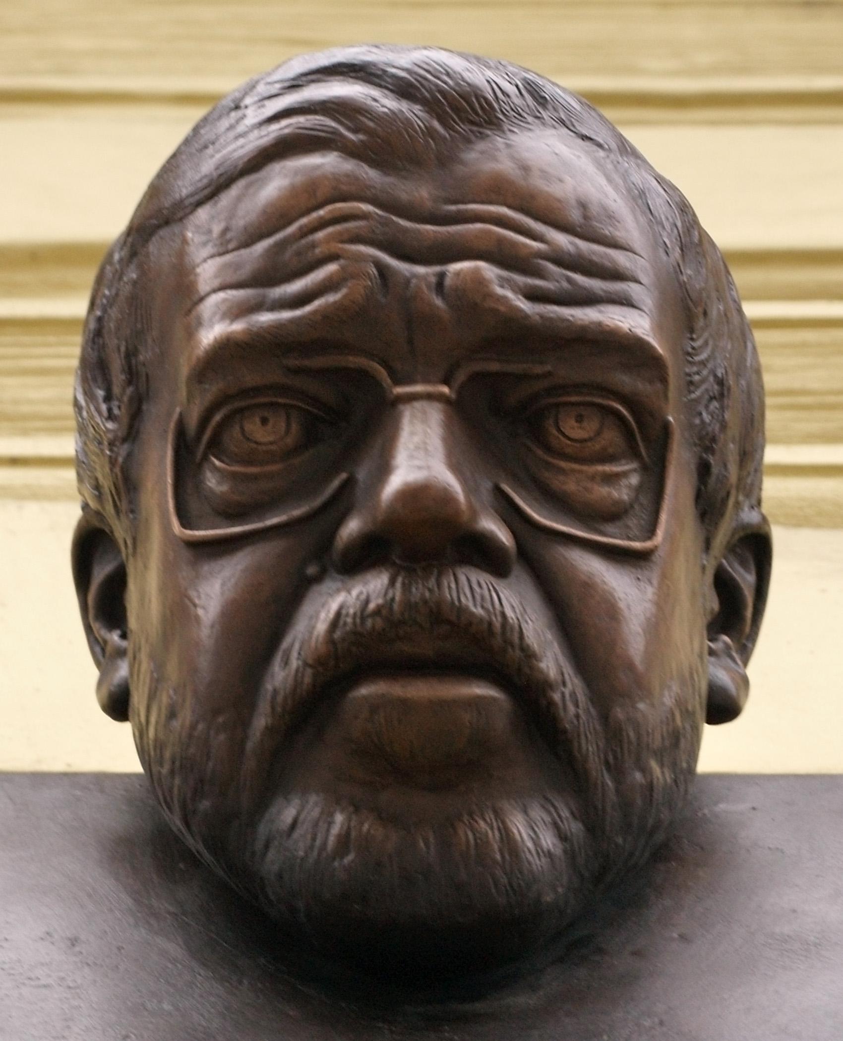 Busta Václava Bendy od Petra Orieška