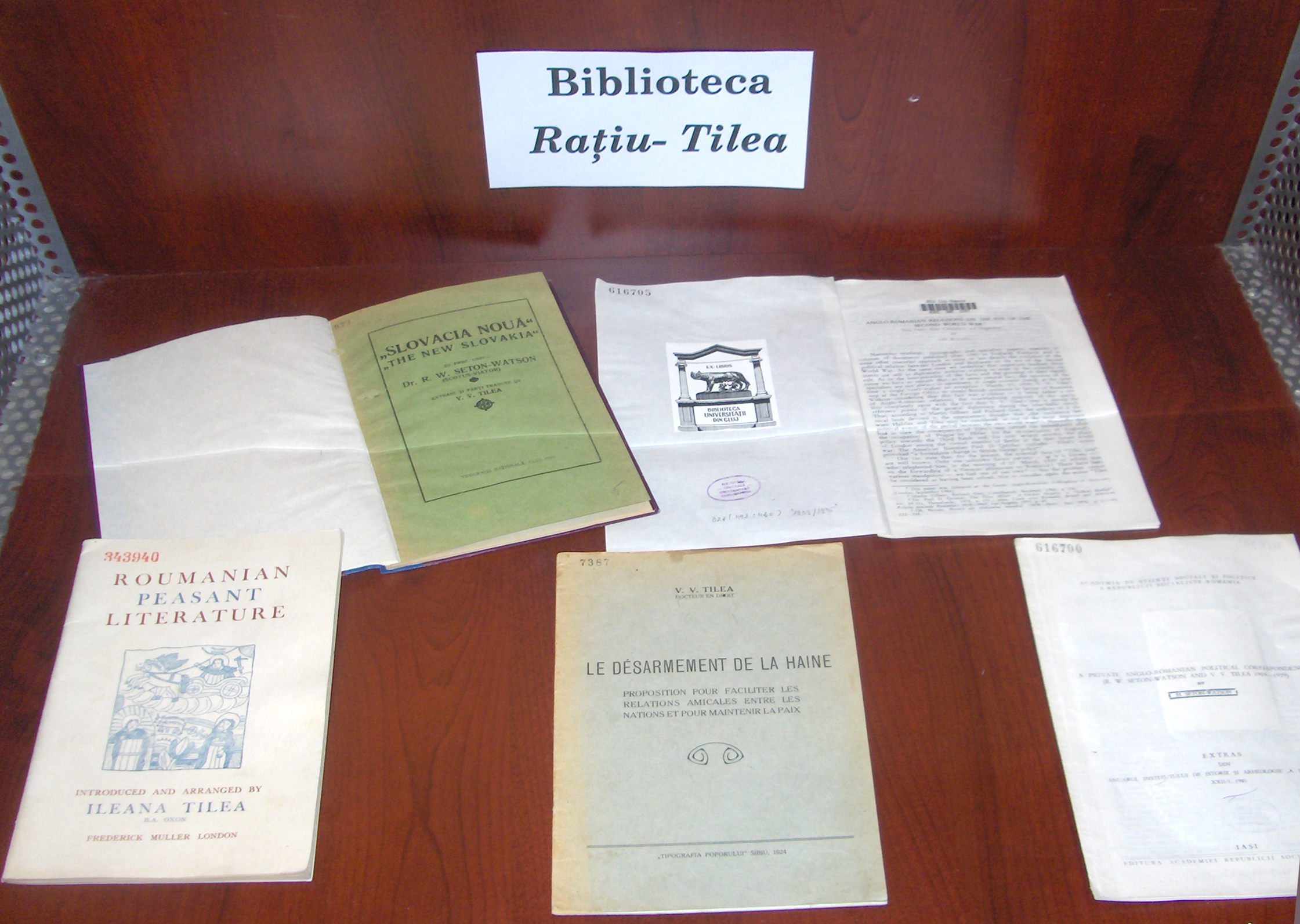 Exhibition at BCU Cluj–Napoca displaying brochures from Raţiu–Tilea Archives in June 2009