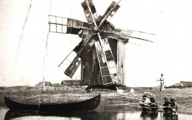 Morile de vânt ale lui Pavel Gherasim din Letea, Dobrogea, 1970