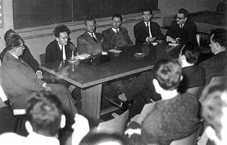 Prvi nastup u javnosti čitave redakcije časopisa Praxis (Studentski centar, Zagreb, koncem 1964.).
