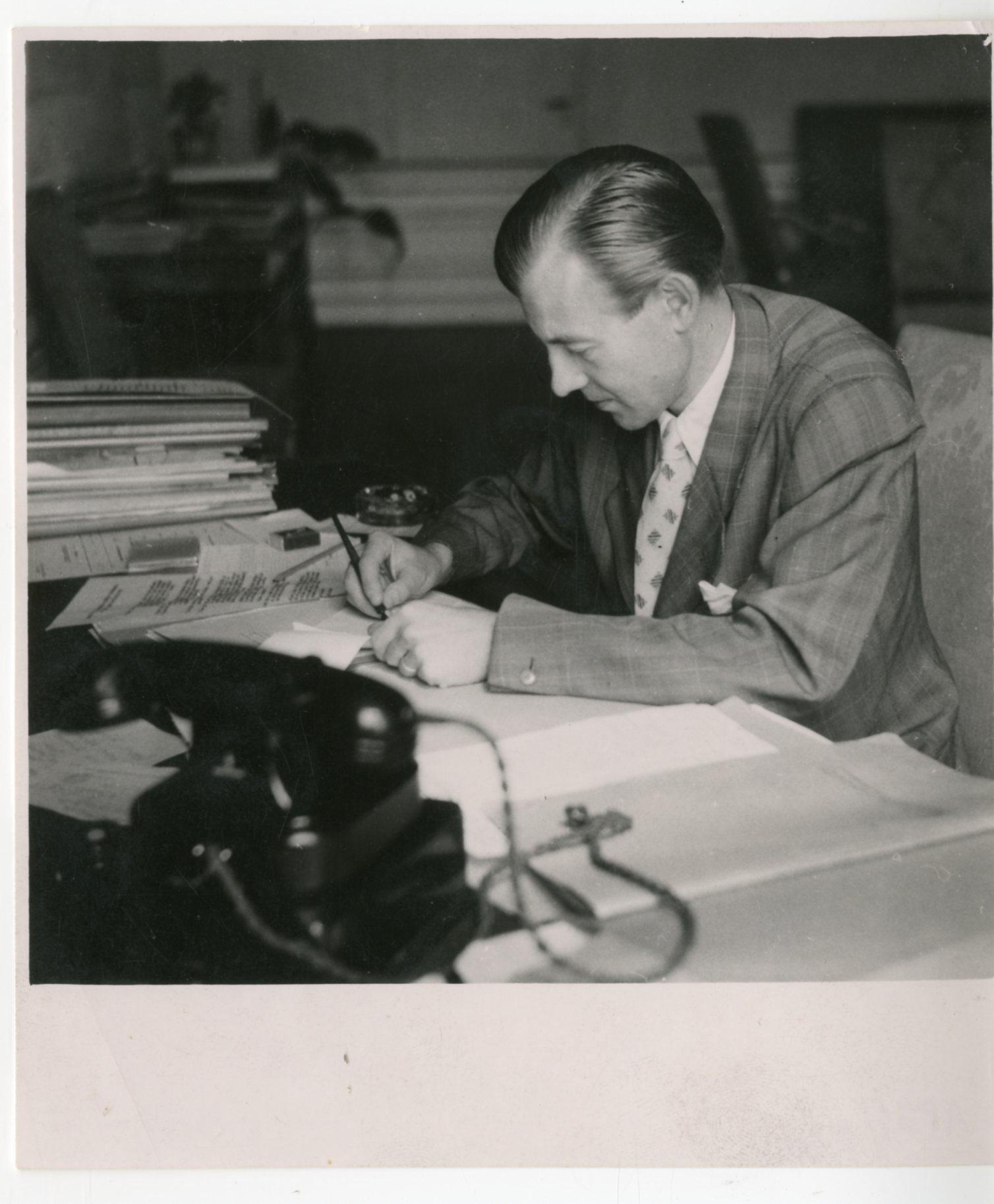 Mojmír Vaněk at the presidential office of Edvard Beneš