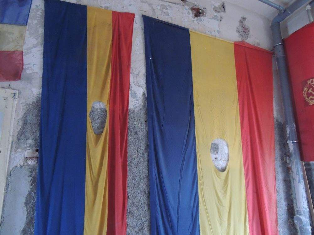 Flags without coats of arms from the Revolution of 1989