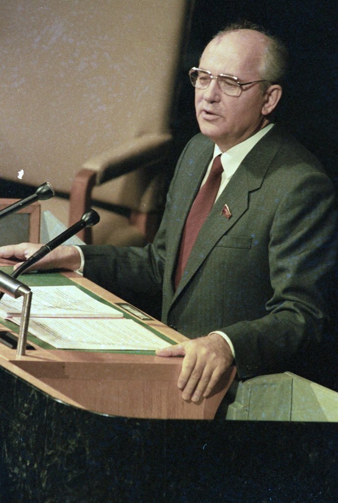 Gorbachev addressing the United Nations General Assembly, December 1988