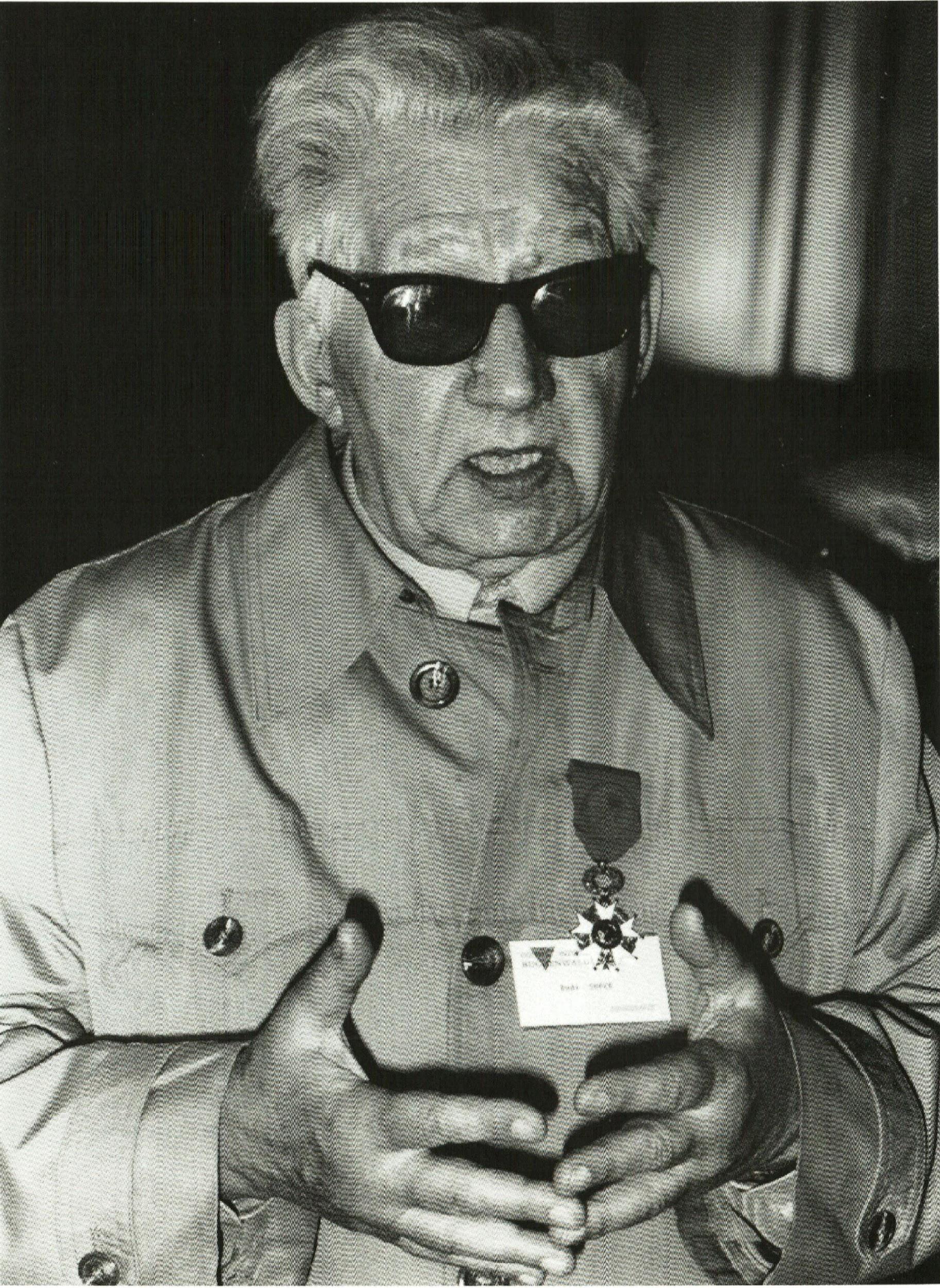 Rudi Supek s najvećim francuskim odličjem – Ordenom Legije časti, 1989.