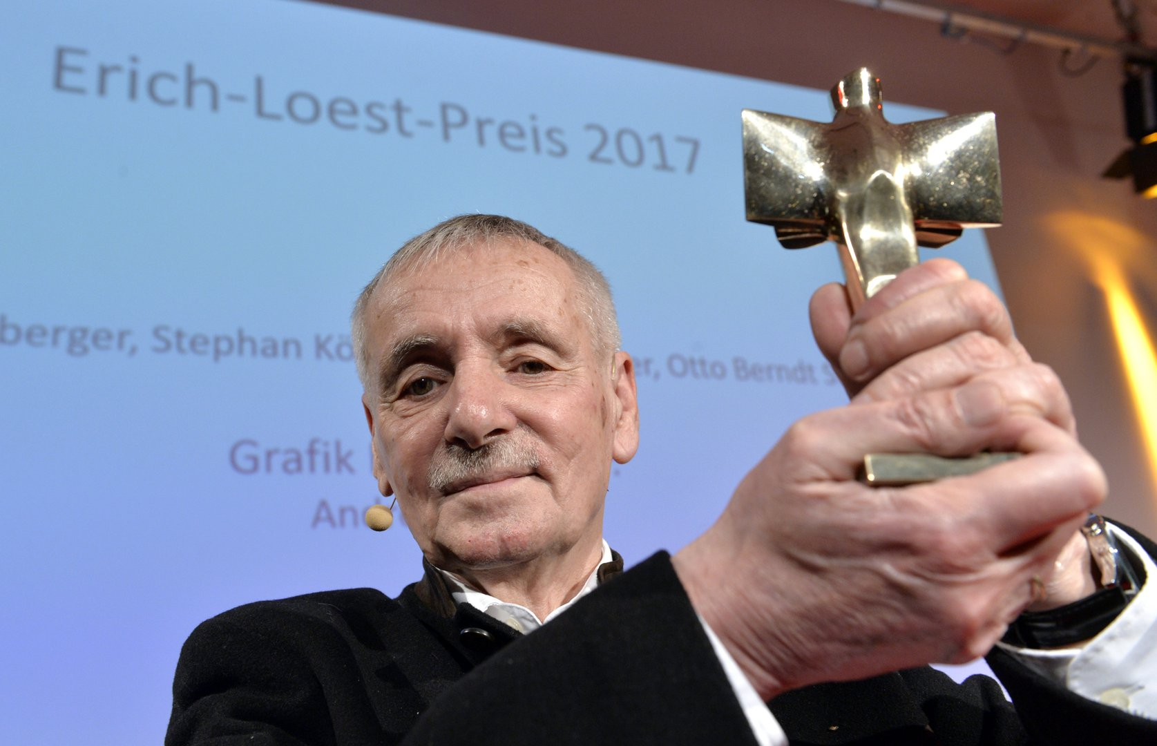 Guntram Vesper with the Erich-Loest-Award