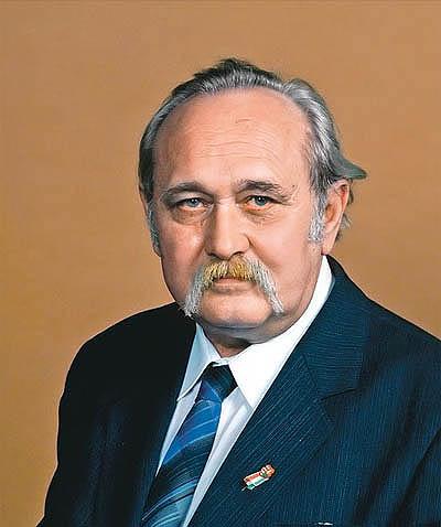 Photo of Pesovár Ernő