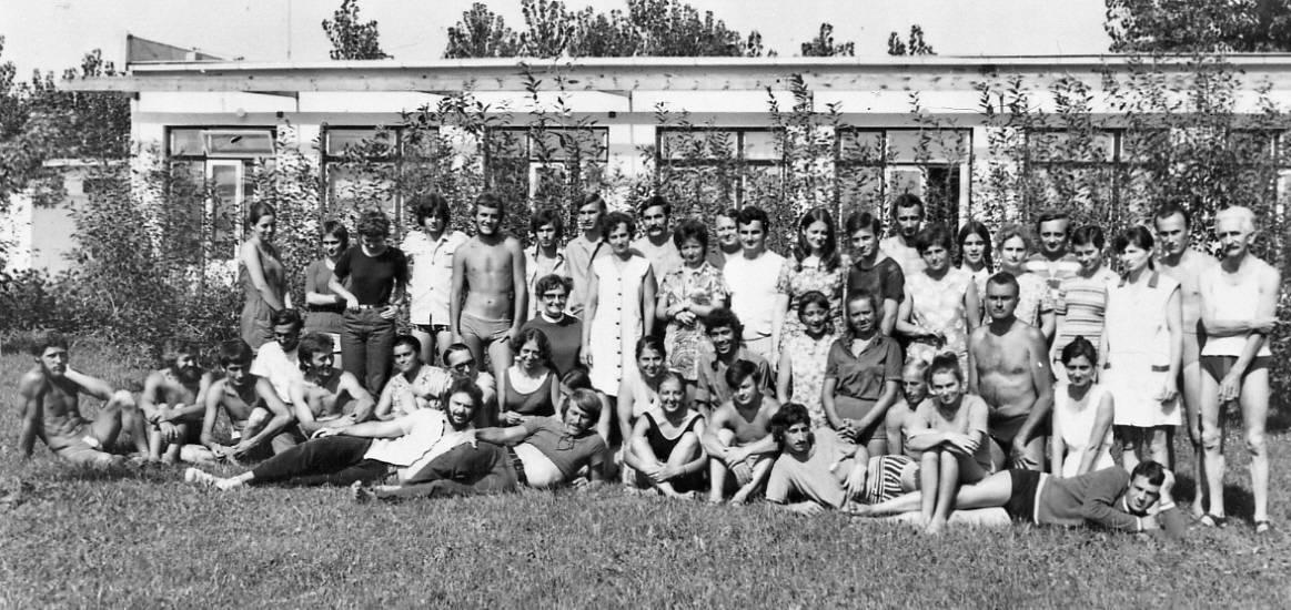 Young folk artist's camp, Fadd-Dombori, 1972.