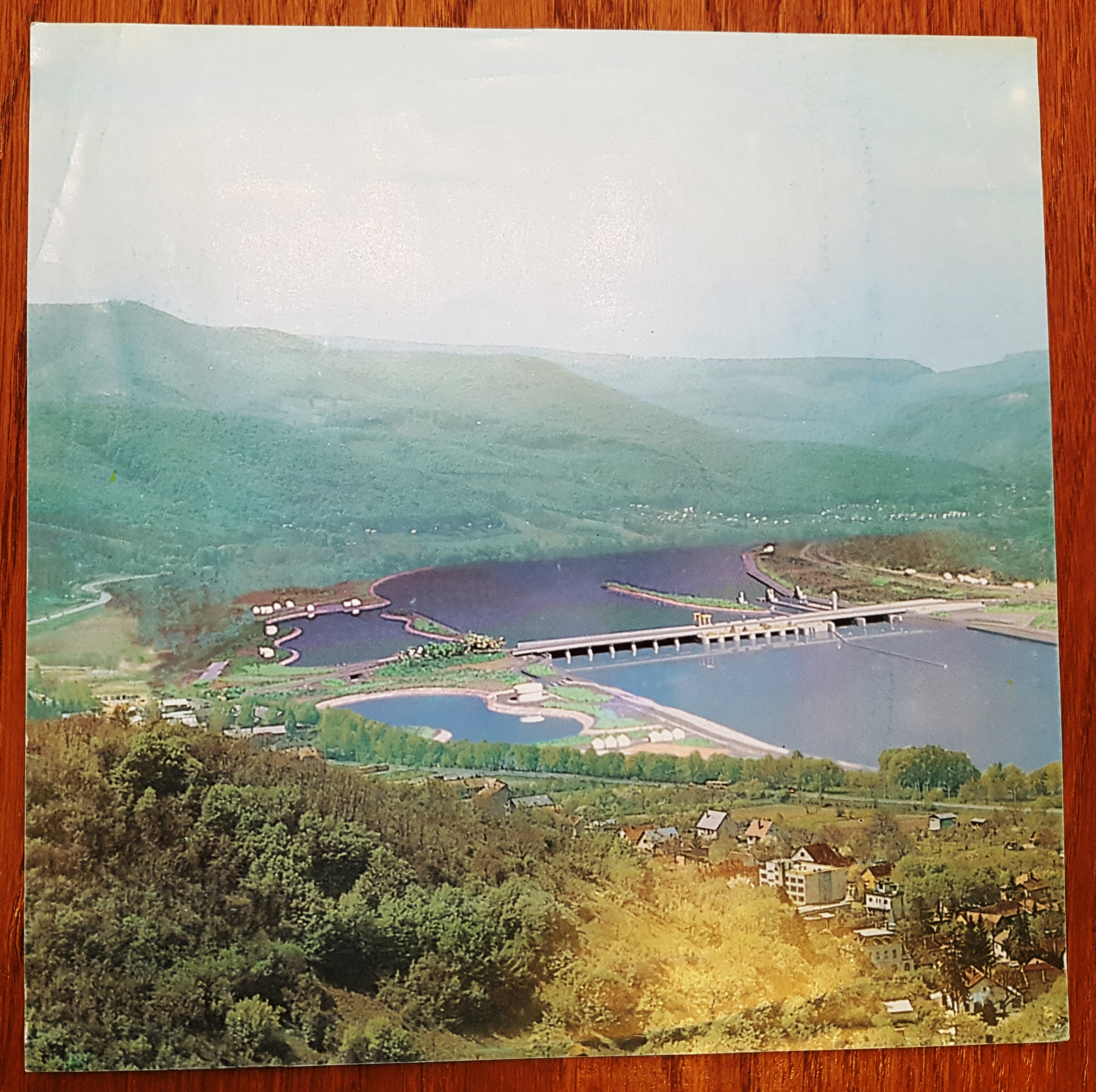 Imagined picture of the planned Danube dam at Nagymaros.