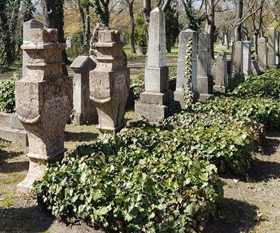 Sírok a Kerepesi temetőben, 2017.