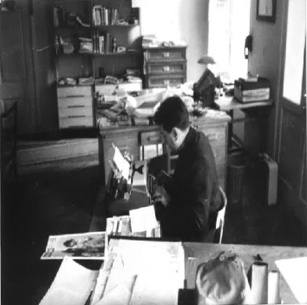 Živko Kustić at the desk in the redaction of Glas Koncila.