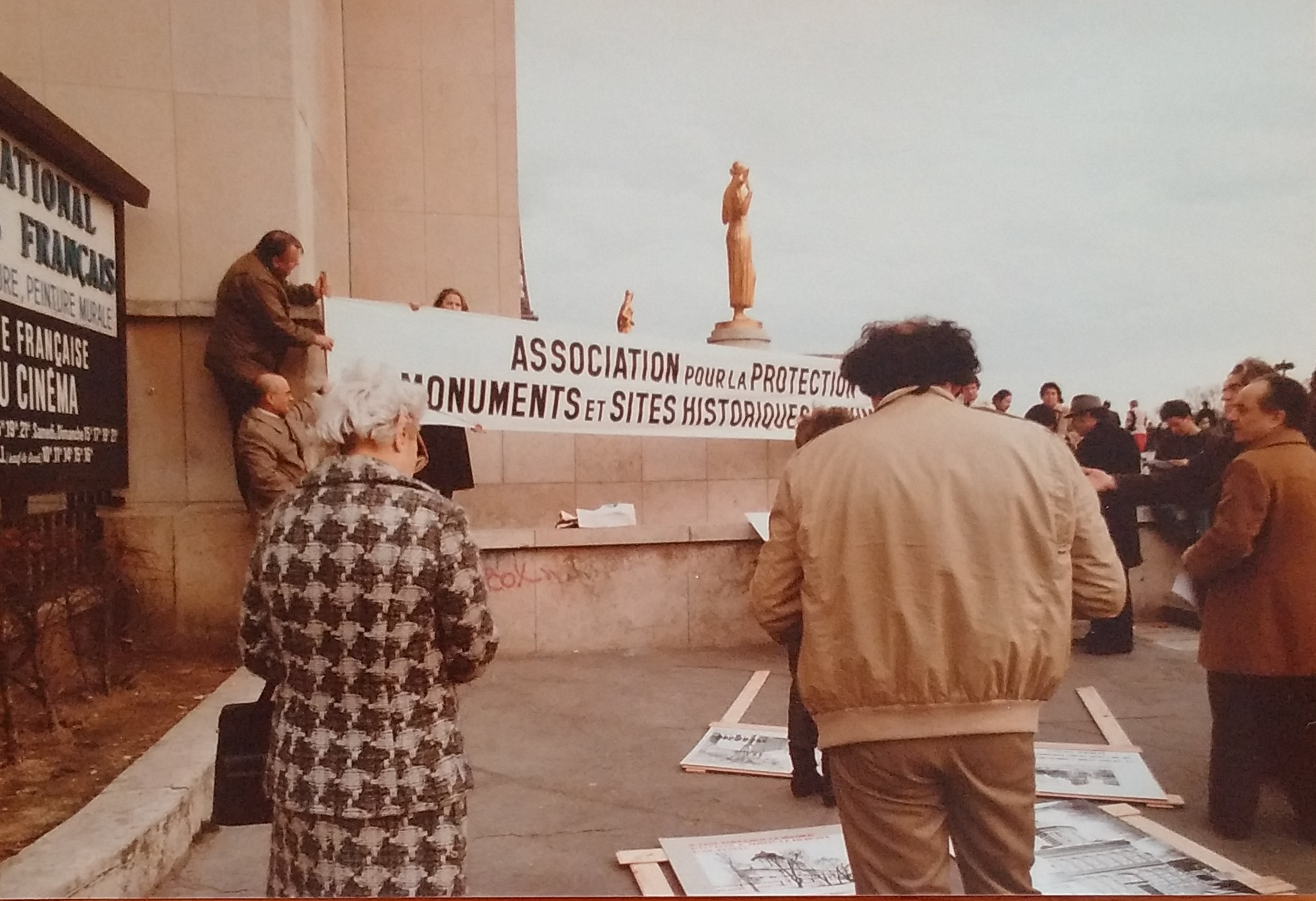 Protest of The International Association for the Protection of Monuments and Historical Sites in Romania, Paris, 1985.